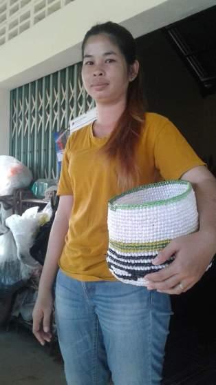 Photo Lady making basket2